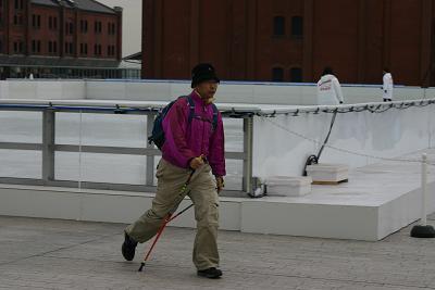 スケートリンク前やまちいさん